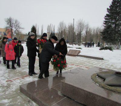 ДЕНЬ ПАМЯТИ РОССИЯН, ВЫПОЛНЯВШИХ СЛУЖЕБНЫЙ ДОЛГ ЗА ПРЕДЕЛАМИ ОТЕЧЕСТВА
