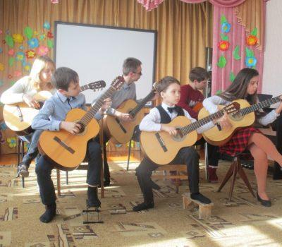 Концерт учащихся ДШИ в детском саду №4.