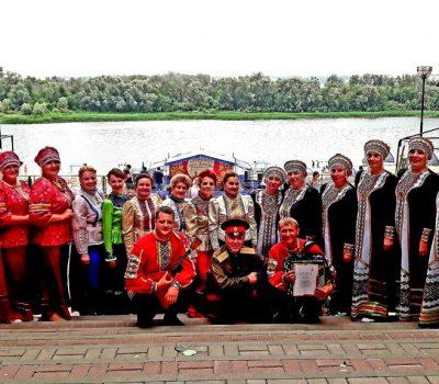 Таловские артисты выступили на берегу Дона