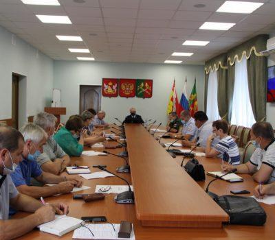 Совещание с участием глав городского и сельских поселений