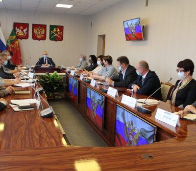 совещание в большом зале администрации района